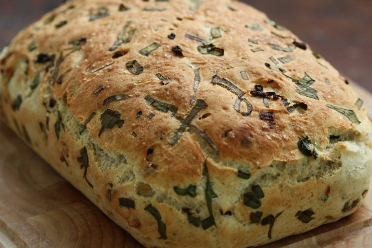 Video: Skvostný domácí chléb s karamelizovanou cibulkou