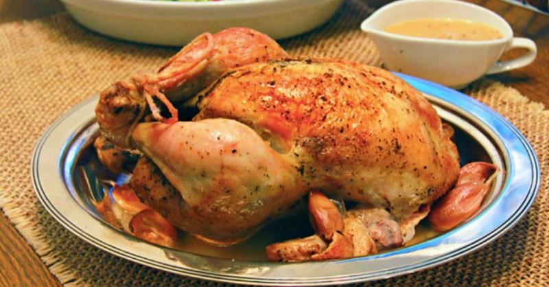 Pečené kuře na česneku : 40 stroužků česneku vytvoří dokonalou chuť recept
