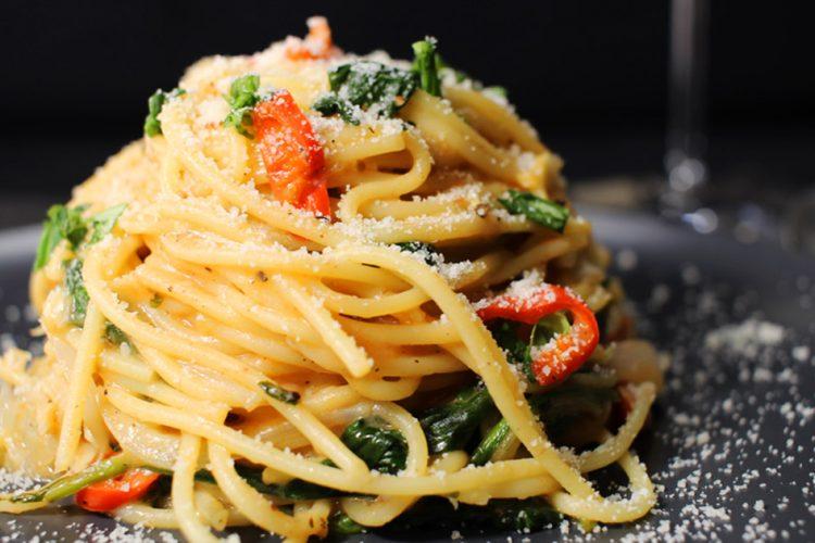Rychlé špagety z jedné pánve