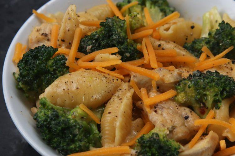 Video: Sýrovo-brokolicové těstoviny bez umývání nádobí