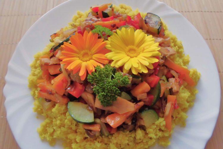 """""""kuskus"""" z květáku se zeleninou"""