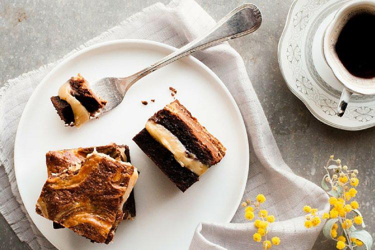 Delikátní Brownies plněné karamelem