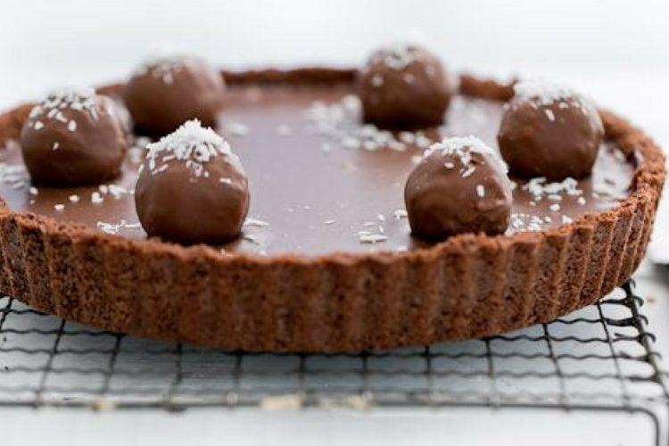 Nádherný čokoládový koláč Bounty se dvěma druhy čokolády