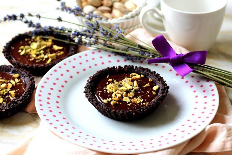 Tartaletky s čokoládou a pistáciemi