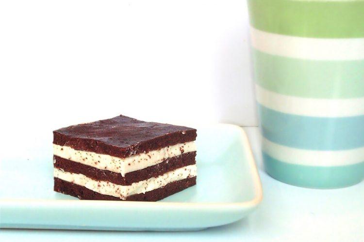 Kakaové řezy (roláda) s tvarohovou náplní