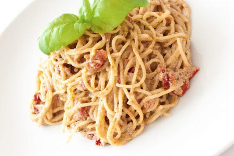 Špagety s pestem a ricottou