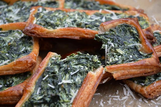 Špenátové koláče z listového těsta