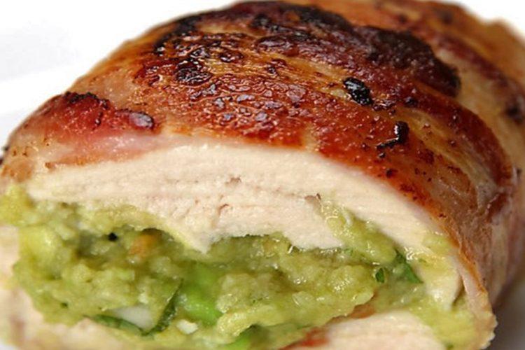 Šťavnatá kuřecí prsa plněná avokádovou směsí + videorecept