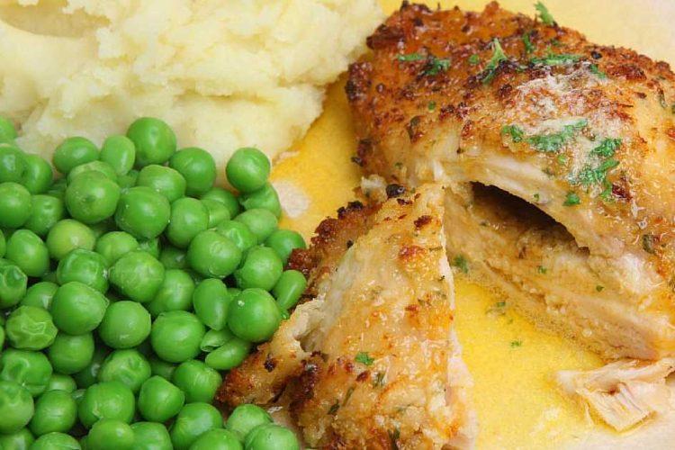 Opravdu šťavnatá kuřecí prsa plněná česnekovým máslem