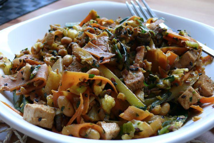 Bleskurychlá zeleninová pánev s lahůdkovým droždím