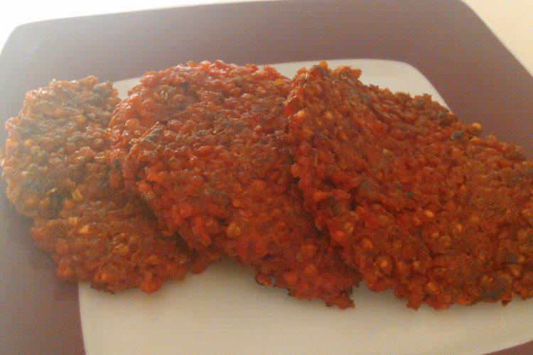 Pohankové karbanátky s červenou řepou a mrkví