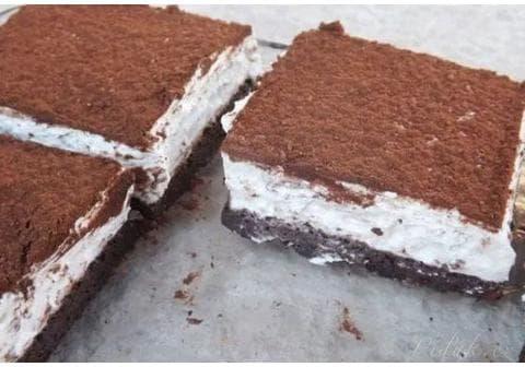 Tvarohovo – šlehačkový koláč bez mouky
