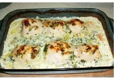 Zapečené, smetanové kuřecí závitky se špenátem