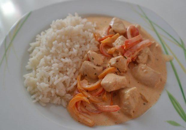 Šťavnaté kuracie kúsky s ryžou