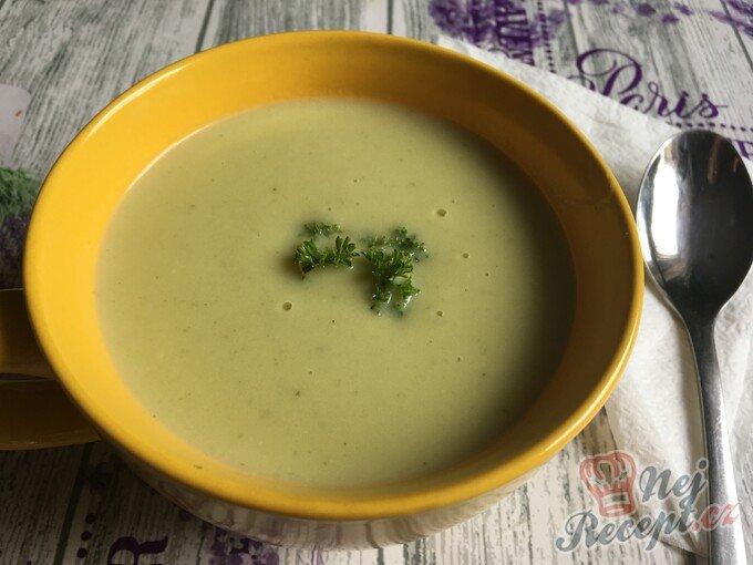 Brokolicová polévka – krémová a hustá