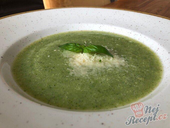 Brokolicová polévka i pro gurmány