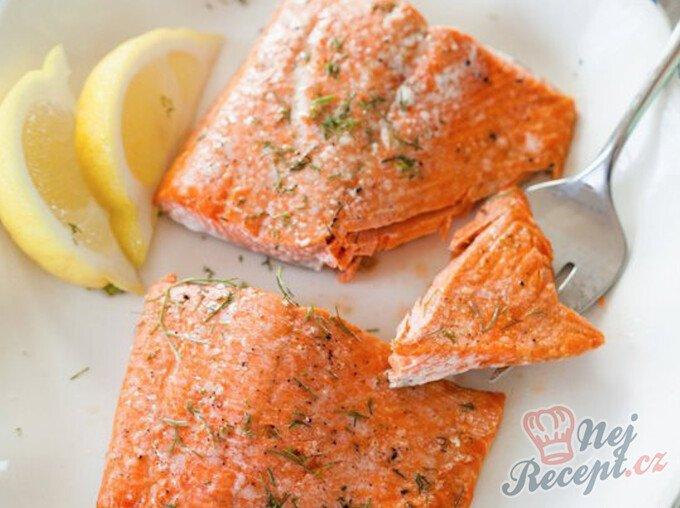 Jak správně upéct lososa v troubě za 5 minut?