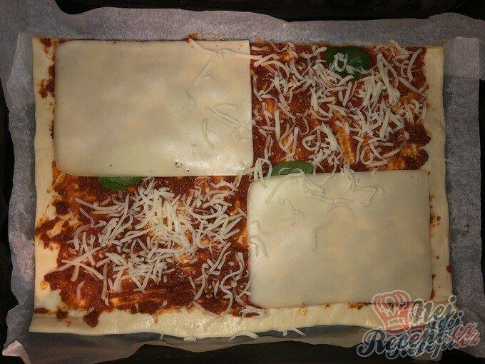 Expresní domácí pizza z listového těsta
