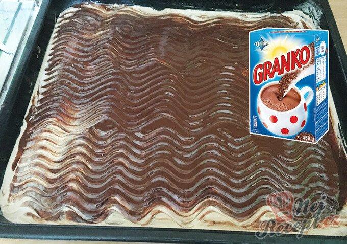 Hrnkový jablečný Granko koláč připraven za 15 minut