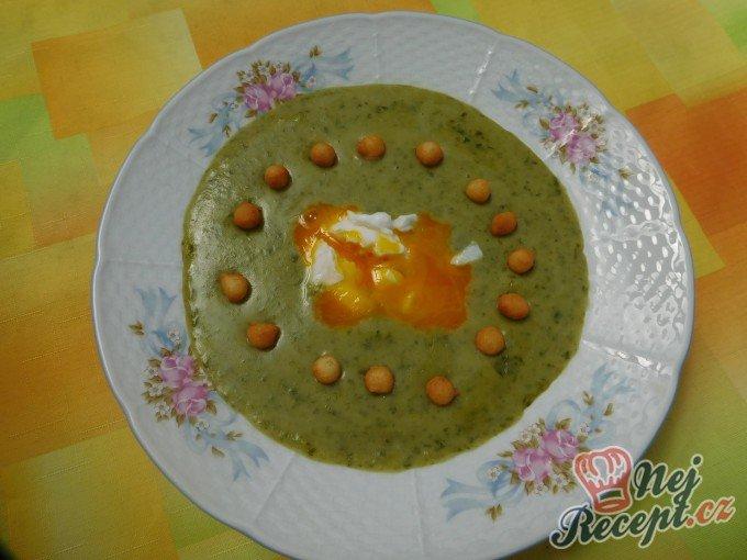 Krémová polévka z medvědího česneku
