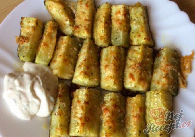 Zapečené cuketky s česnekem