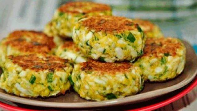 Vynikajúce šťavnaté vaječné fašírky s jarnou cibuľkou a bylinkami