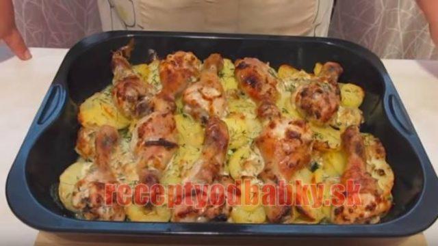 Keď som to videla u kamarátky, musela som skúsiť tento recept tiež: Zapečené kura so zemiakmi a zeleninou chutí dokonale!