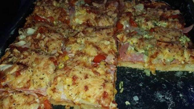 Rýchla domáca pizza Z PLECHU zo základných surovín s lahodnou chuťou! Rýchla večera pre celú Vašu rodinu