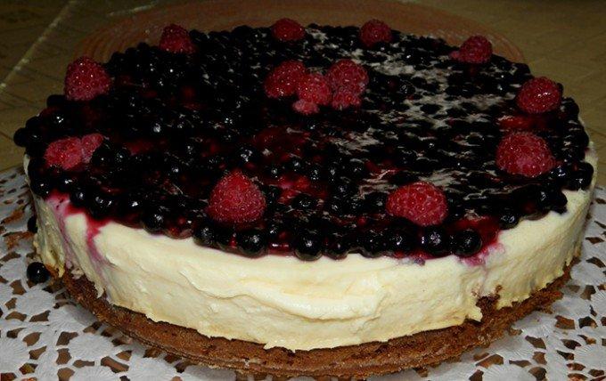 Ovocný dort s vanilkovým krémem