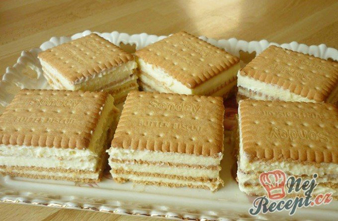 Keksíkový dort s vanilkovou příchutí