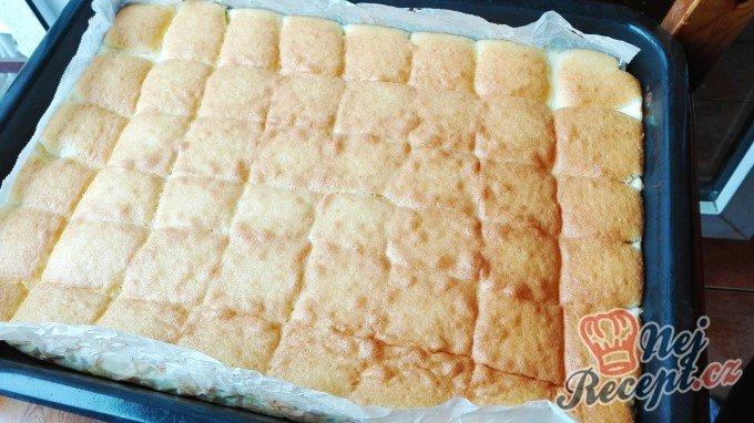 Fantastický koláč s tvarohovou náplní