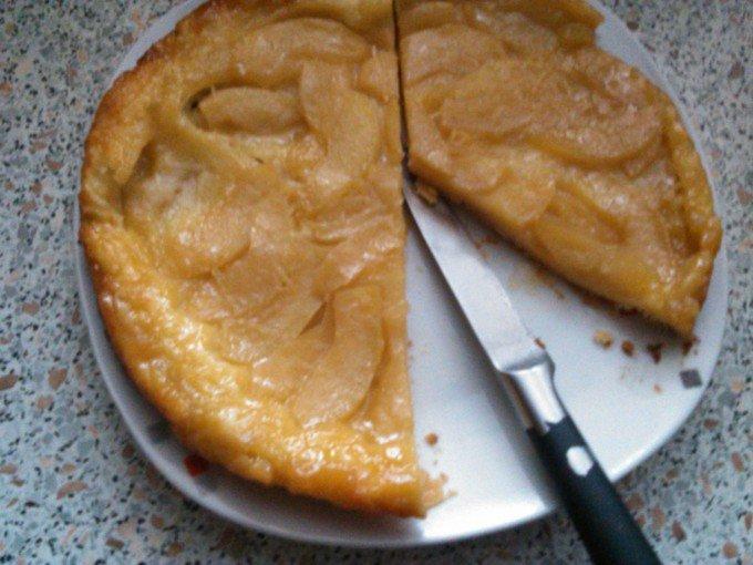 Jednoduchý jablečný obrácený koláč