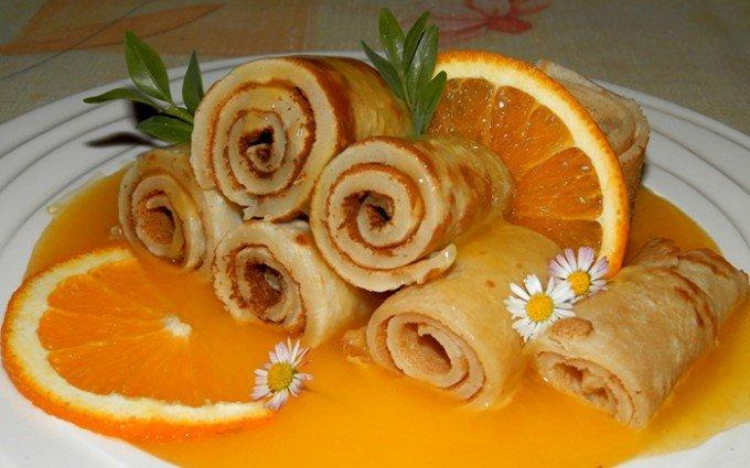 Palačinky s pomerančovou omáčkou