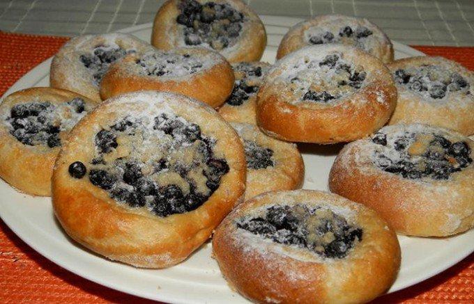 Špaldové koláčky s borůvkami